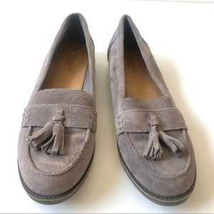 CROWN VINTAGE GREY SUEDE LOAFER WITH TASSEL SZ 7.5